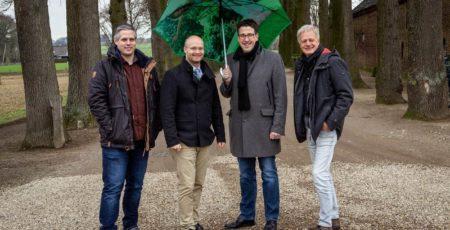 Das Team von Gartenbau Grütters um Josef Grütters (rechts im Bild) und Erik Peters (links).