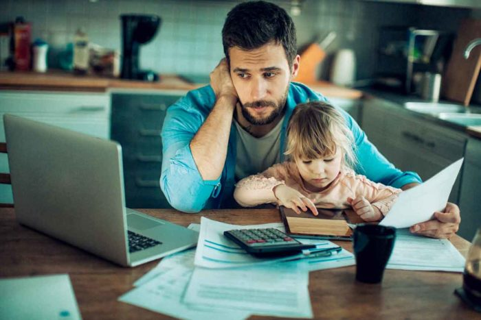 Eltern müssen spitz rechnen, um die Elternbeiträge bezahlen zu können.